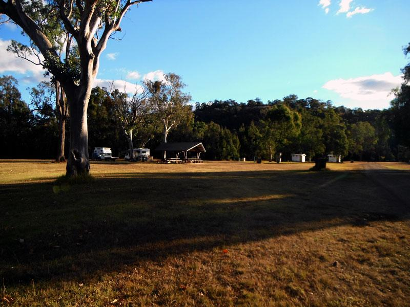 Campground at WoolominNice level campsites with plenty of room for vans