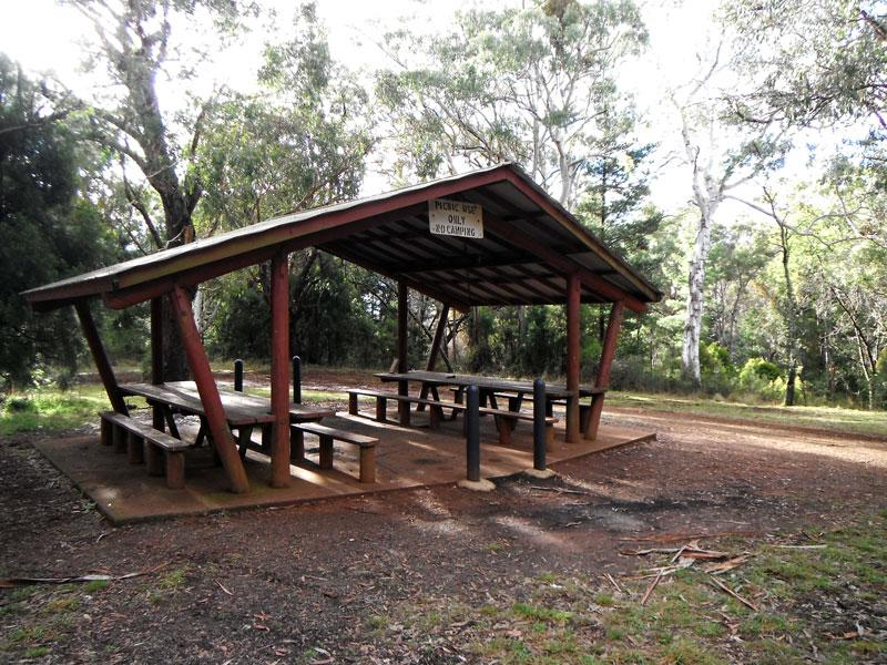 Picnic Area at Sheba DamGreat area for cooking and eating if the weather turns bad.