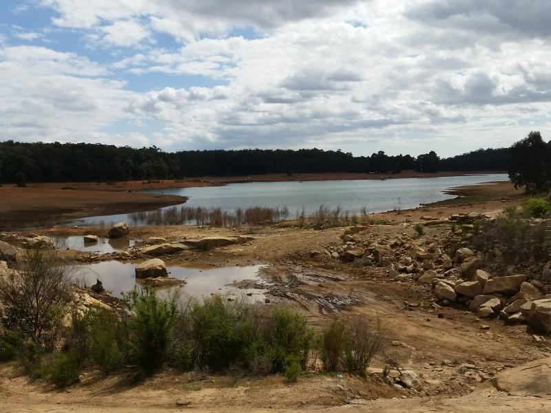 Lake Navarino - Lakeside CampingThere are many 4WD tracks around the lake which suit all skill levels.
