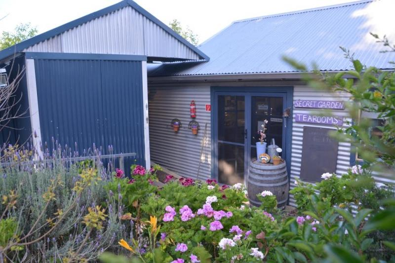 Nannup LavenderA indoor and outdoor shower with hot and cold water. two toilets.